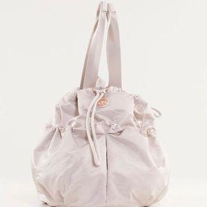 Lululemon Bliss Bag, cream